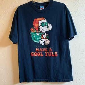 Peanuts Christmas 🎄 T Shirt Snoopy